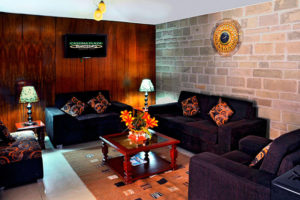 Balsa Inn Lobby
