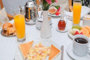Hotel Antara Desayuno