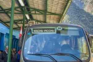 Subida en bus a Machu Picchu