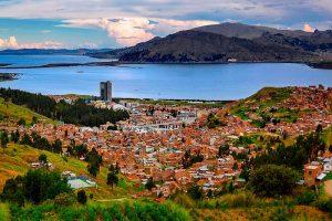 Ciudad de Puno y Lago Titicaca