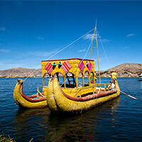 Isla Flotante Los Uros, Tour Lago Titicaca, tradición, cultura, Puno, Peru